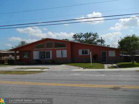 1090 NW 67th St - Photo 1