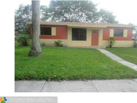 2620 NW 206th St - Photo 1