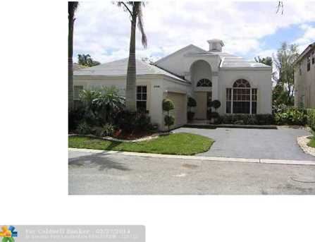6880 NW 75th Ct - Photo 1