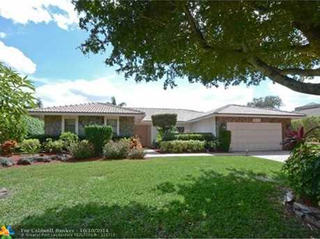9800 NW 18th St - Photo 1
