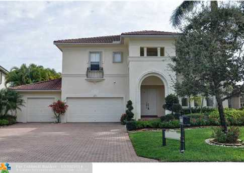 12305 NW 76th St - Photo 1