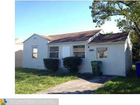 1068 NW 66 St - Photo 1
