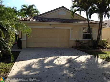 5422 NW 50th Ct - Photo 1