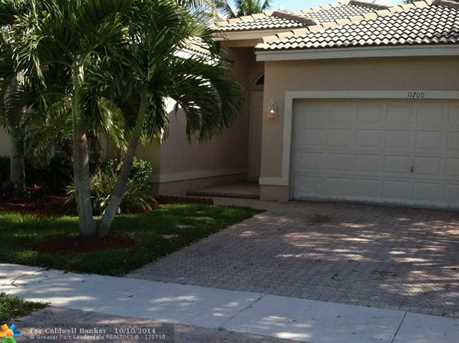 11700 NW 48th St - Photo 1