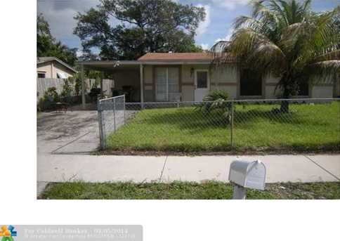 3361 NW 17th Ct - Photo 1