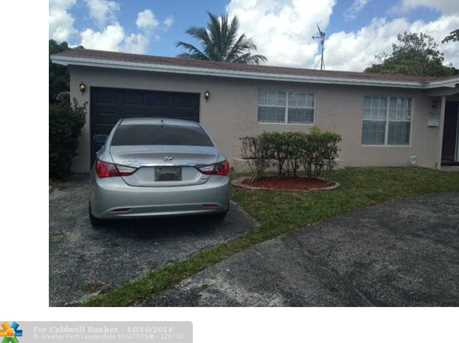 3721 NW 41st St - Photo 1