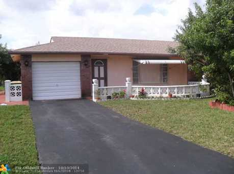 8023 NW 93rd Ave - Photo 1