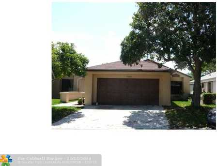 3340 NW 22 St - Photo 1