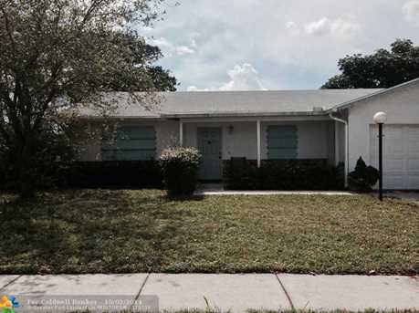5340 NW 32 St - Photo 1