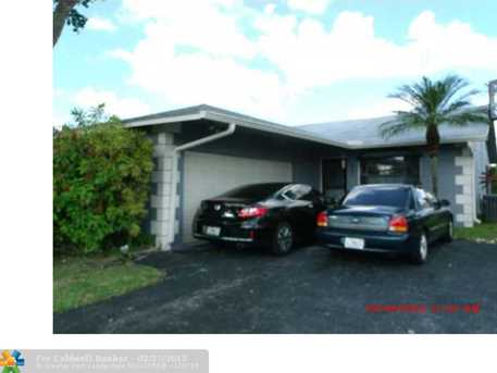 8825 NW 75th Ct - Photo 1