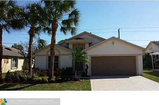 3220 SW 2nd Ct - Photo 1