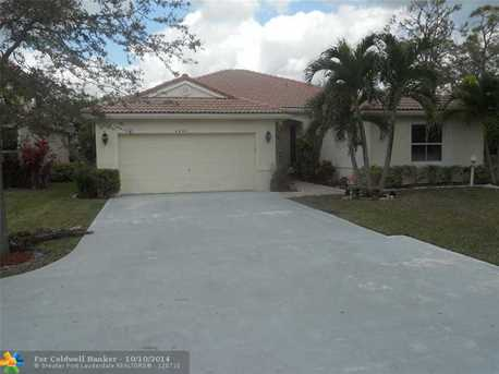 4899 NW 53rd Cr - Photo 1