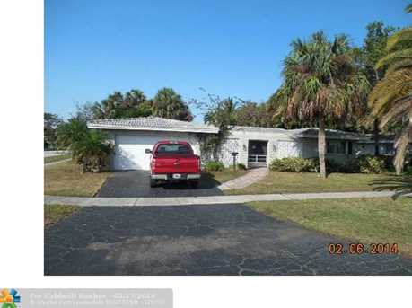 425 SW 7th Ave - Photo 1