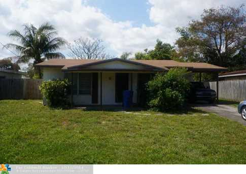 3211 NW 18th Ave - Photo 1