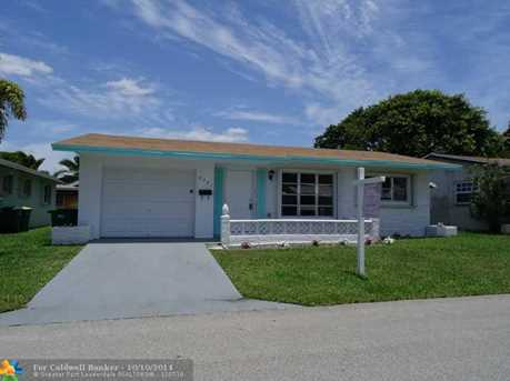 4721 NW 44th St - Photo 1
