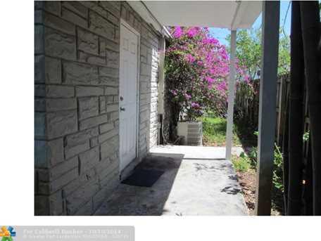 1115 N Andrews Ave - Photo 1