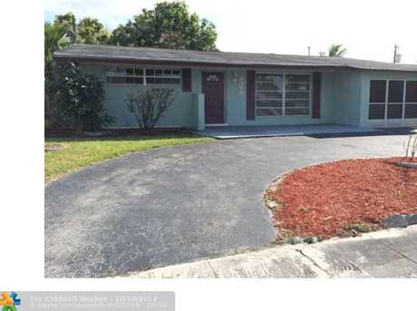 8450 NW 28th Pl - Photo 1