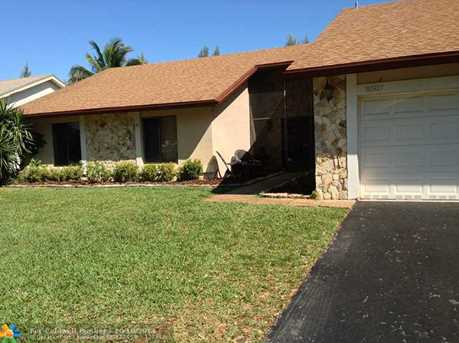 8507 NW 54th Ct - Photo 1