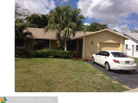 9370 NW 34th Ct - Photo 1