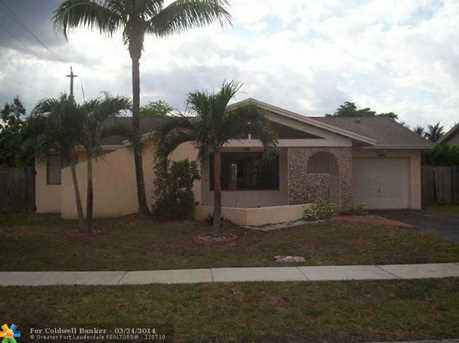 861 SW 55th Ave - Photo 1