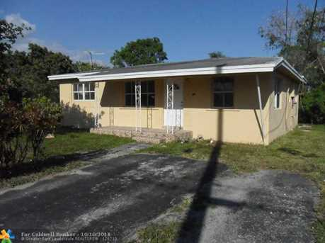 130 NW 13th Ave - Photo 1