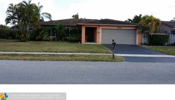 8202 NW 73rd Ter - Photo 1