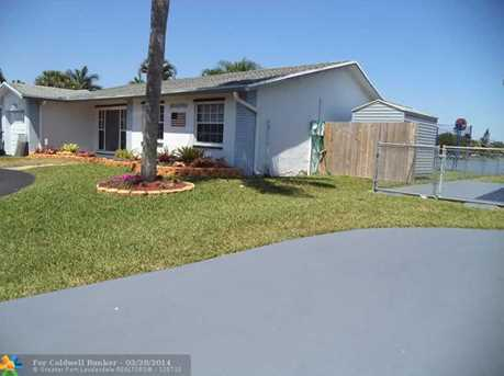 9501 NW 10th St - Photo 1