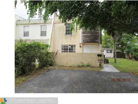 7512 NW 75th St, Unit # - - Photo 1