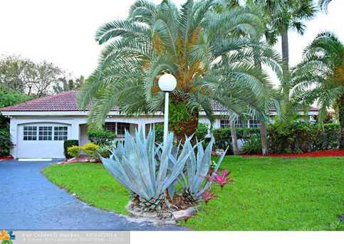 2859 N Palm Aire Dr - Photo 1