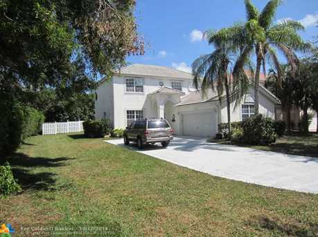 2118 NW 48th Ave - Photo 1