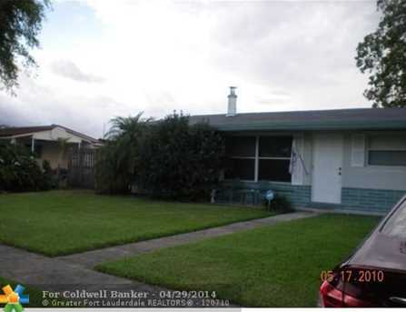 1391 SW 52nd Ave - Photo 1