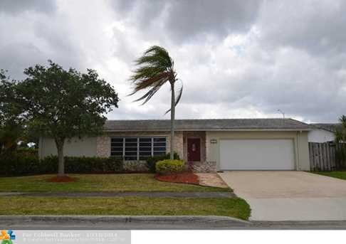6600 NW 20th St - Photo 1