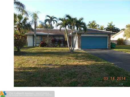 10900 NW 20th Dr - Photo 1