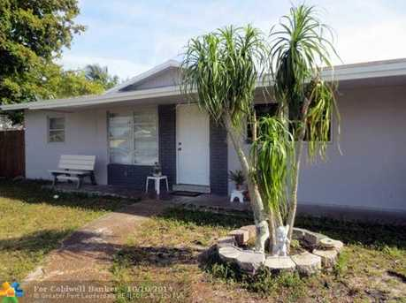 600 NW 38th Pl - Photo 1