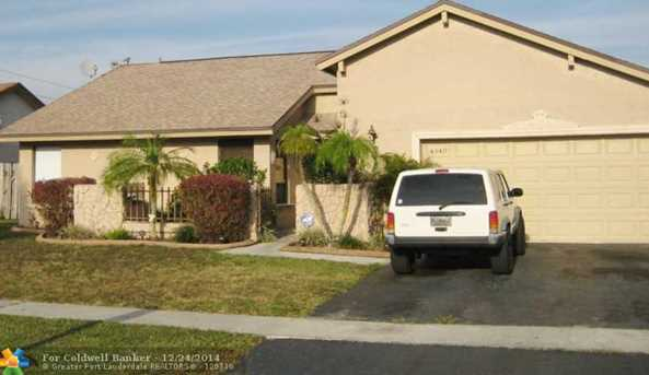 4940 NW 84th Ave - Photo 1