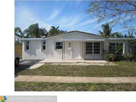 301 SW 12th St - Photo 1
