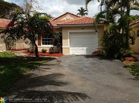 1186 SW 180th Ter - Photo 1