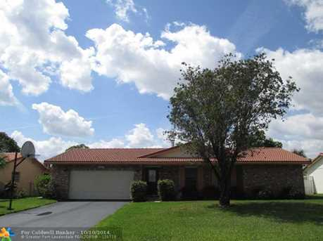 8542 NW 19th Dr - Photo 1