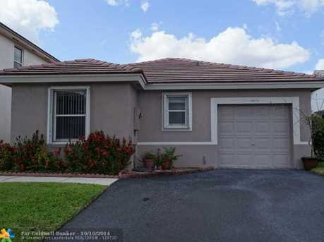 6879 NW 69th Ct - Photo 1