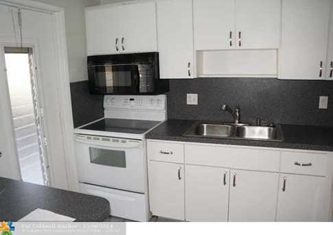 3221 NE 8th St, Unit # 104 - Photo 1