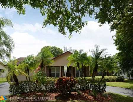 1710 SW 53rd Ave - Photo 1