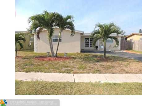 8311 NW 25th St - Photo 1