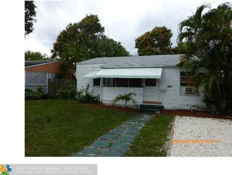 805 SW 7th Ave - Photo 1