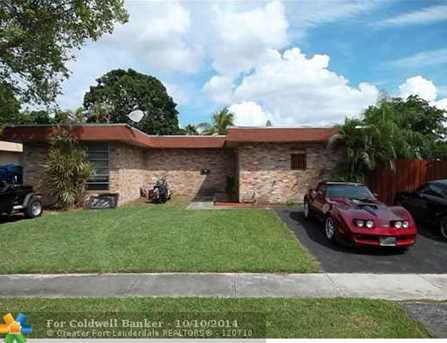 7900 NW 73rd Ter - Photo 1