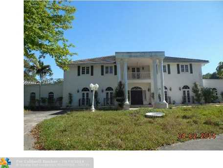 4100 NW 74th St - Photo 1