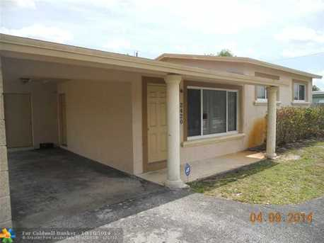 2420 NW 28th Ter - Photo 1