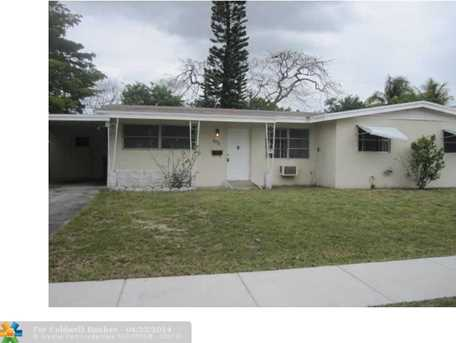 1071 NW 42nd Ct - Photo 1