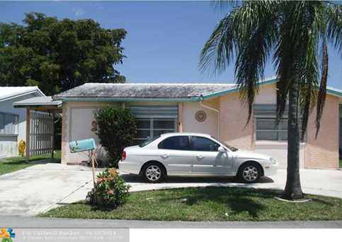 6607 NW 62 St - Photo 1