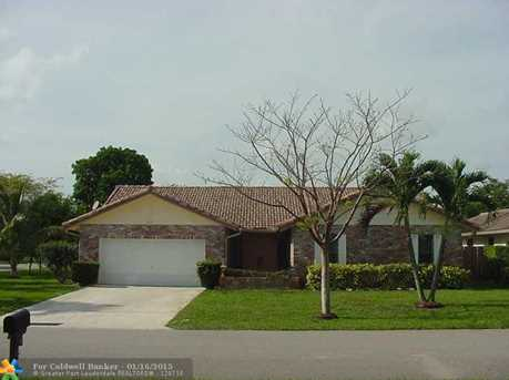 7211 NW 44th St - Photo 1