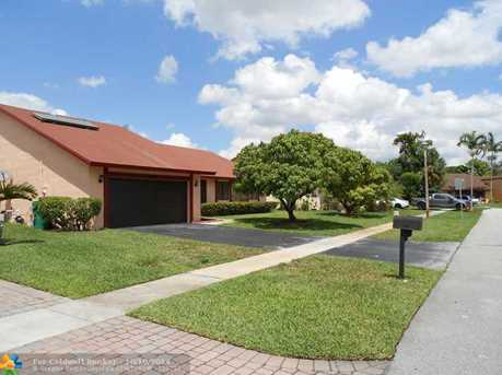7831 NW 54th Ct - Photo 1
